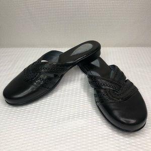 NWOB Clark's Artisan Black Leather Slip On Sz 9.5